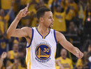 NBA季后赛:勇士首战胜火箭 库里贝弗利冲突