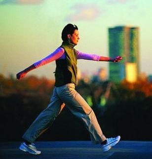 专家:每天健步走6000步比较合适