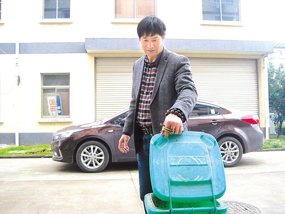"""""""闲人""""王顺明:义务帮忙的社区热心肠"""