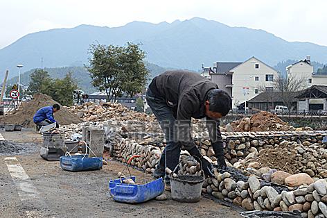 锦溪镇中锦村段水利景观带工程建设施工中