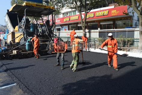 剑池路排污管网改造工程现场有序作业