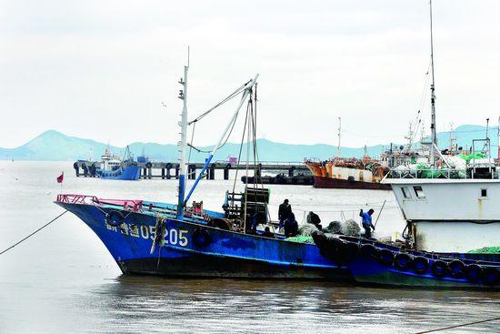 渔民理网备春汛