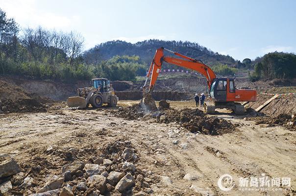 新昌工业园区重点项目复工忙