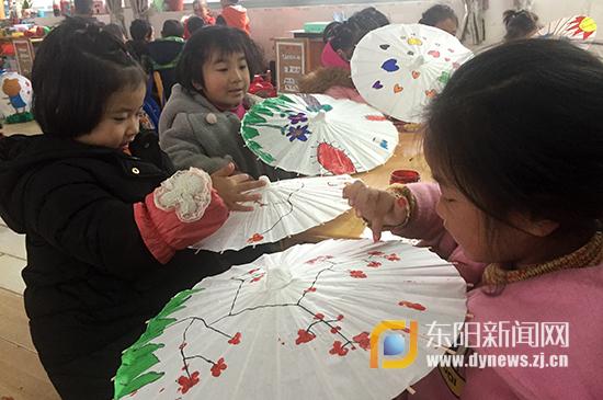 单良小学:绘画纸伞,装扮博客小学通路大校园图片
