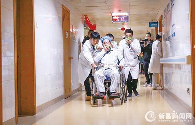 县人民医院开展消防应急疏散演练