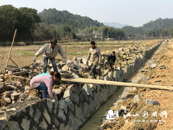 推进高标准农田建设