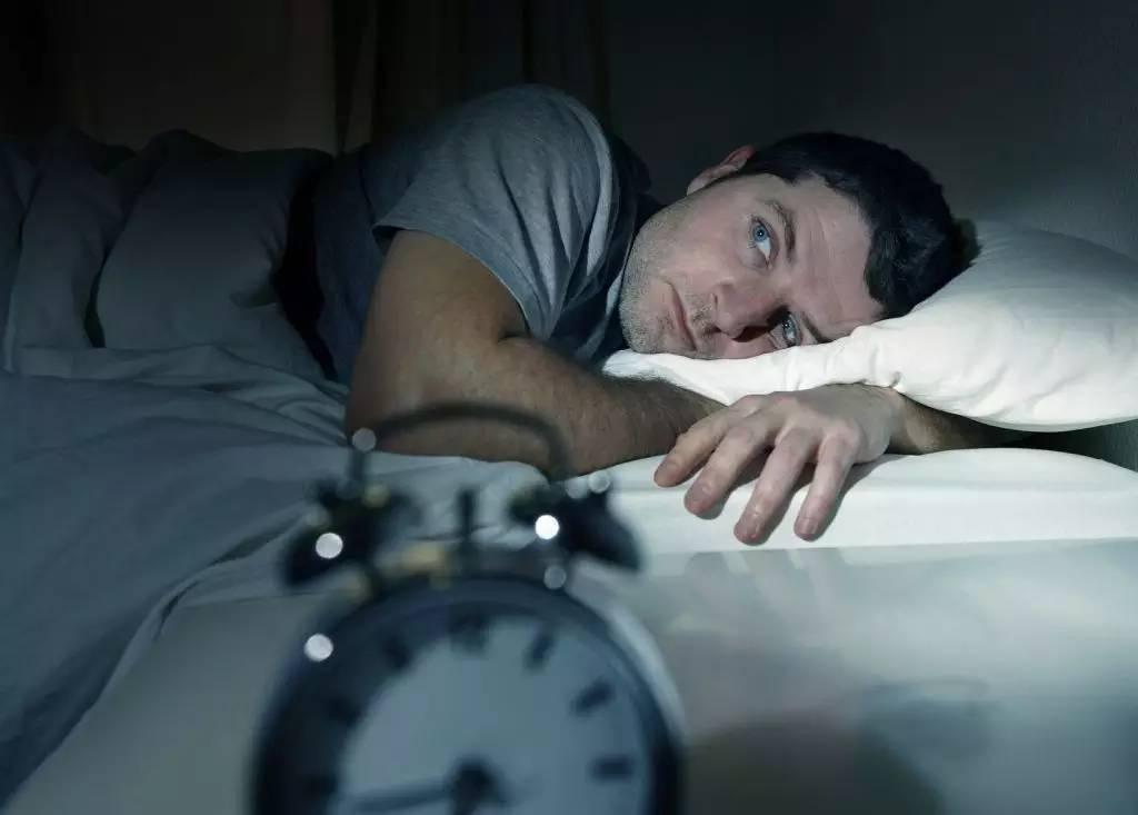 青年睡眠现状报告:76%的人入睡难