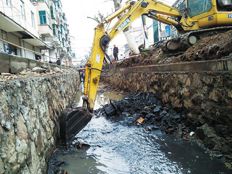 甘霖镇: 实施综合治理 改善后门坑水质