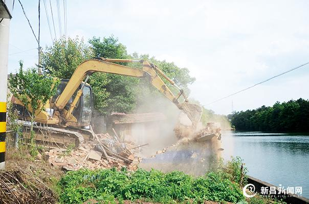 羽林街道拆除涉水养殖违建