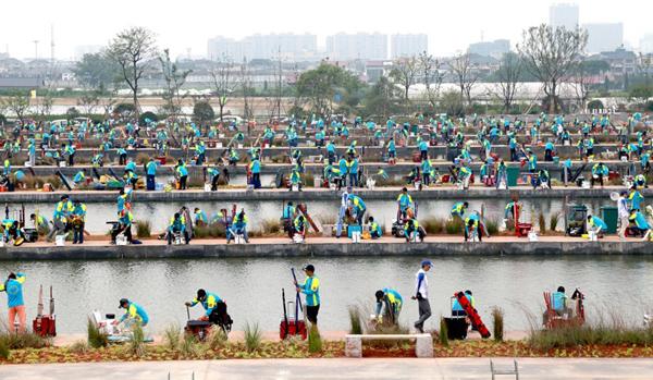 龙和国际垂钓中心钓鱼精英赛开赛