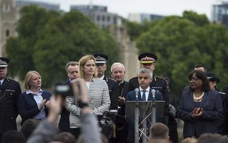 英国伦敦举行活动悼念恐袭遇难者