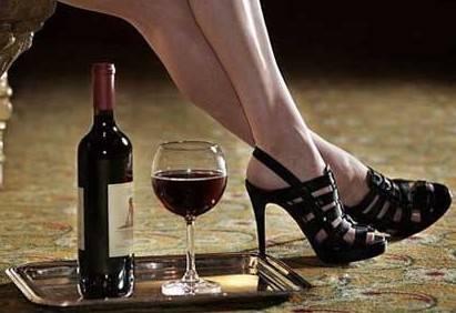 喝红酒可控制腰围和体重