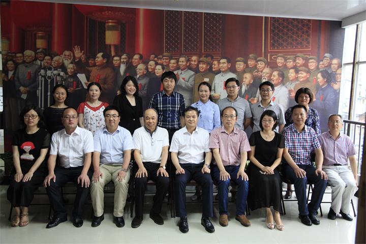 叶美峰走访县各民主党派、工商联和知联会