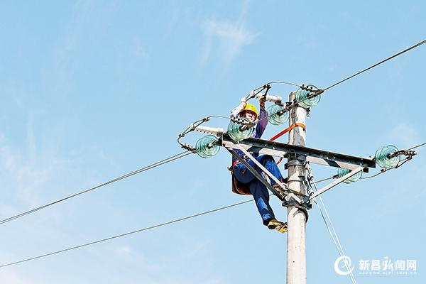 电力人员战高温