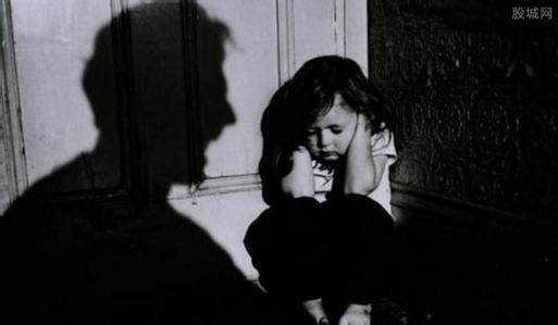 逼不满14周岁女卖淫最低刑期10年