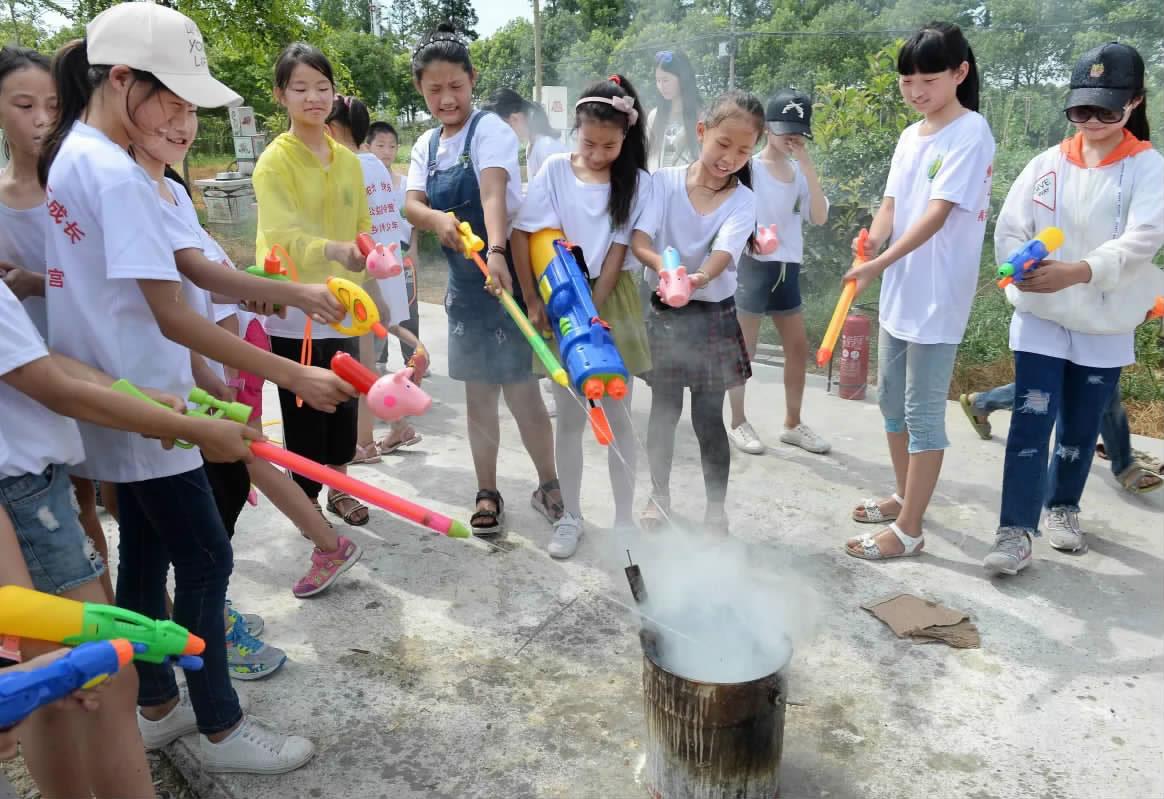 新居民孩子暑期消防培训