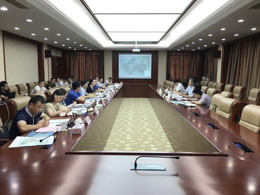 侯富光参加定海区和新区决策咨询委员会座谈会