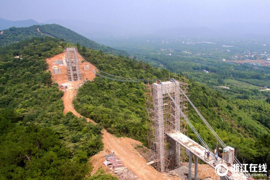 浙江最长玻璃悬索桥将于9月底完工