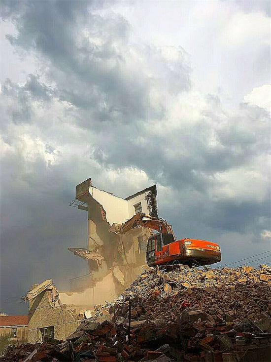 石璜镇推进小城镇环境综合整治工作