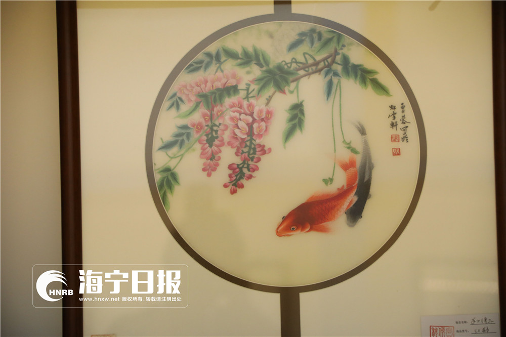 布艺绣画唯美中国风 秋博会惊艳亮相