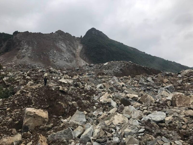 突发!贵州纳雍发生山体垮塌 具体伤亡情况不明