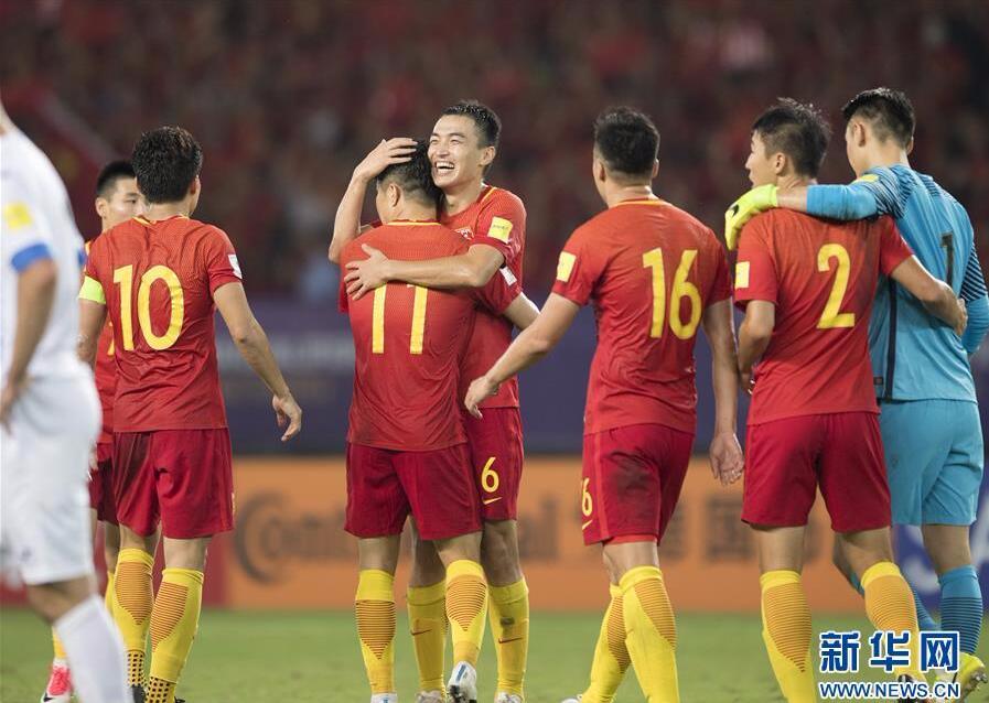 足球――世预赛:中国胜乌兹别克斯坦
