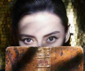 Angelababy置身巴黎古堡 演绎欧式古典美