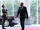 出席新兴市场国家与发展中国家对话会的外国领导人抵达会场