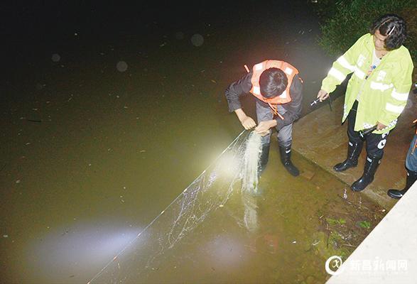 民间护渔队 夜里来巡逻