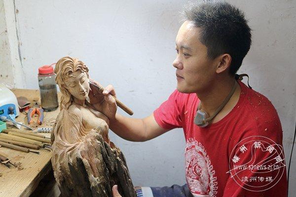 陈炉钢:雕刻木头的灵魂