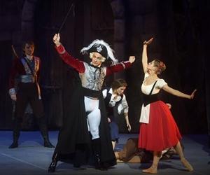 芭蕾舞剧《巴黎的火焰》在京上演