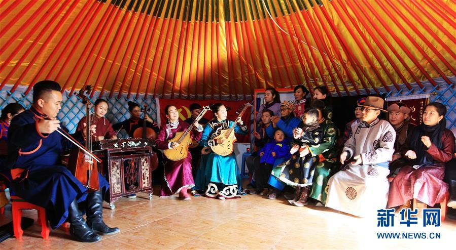驰骋草原六十载 扛起红旗再出发――回访内蒙古最早的乌兰牧骑