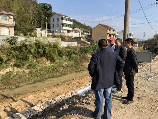 高新园区(三界镇)西干排涝渠加固改造工程进行时