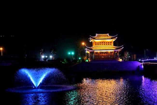 定海金塘新增一处河道灯光秀景观