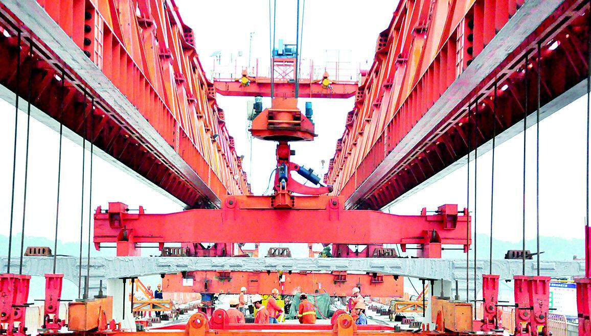 """构建""""大交通""""新格局 全力推进交通基础设施建设"""
