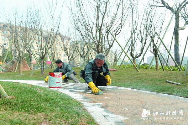东岳广场基本建成