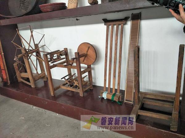 收藏传统农用器具 触摸百年农耕文化