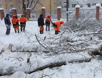 莫斯科百年一遇降雪1死多伤