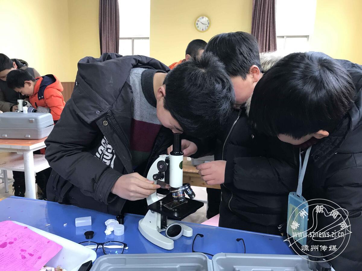 市青少年宫开展体验科技活动