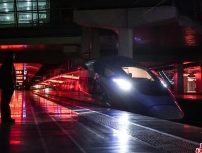 中国高铁引领全球体验