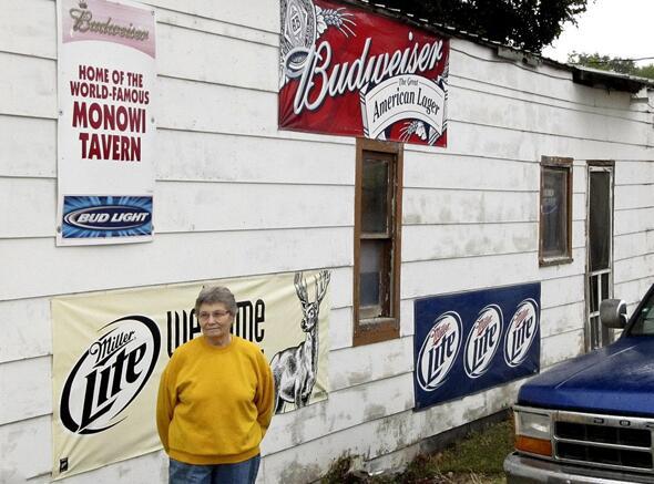 美国小镇仅1位居民 身兼镇长会计