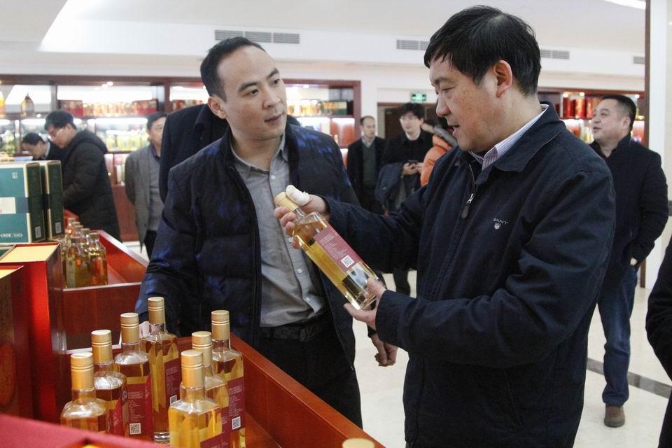 省人大常委会党组副书记、副主任李卫宁来常调研