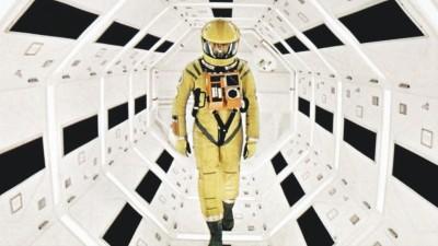 上映50周年,这部科幻巨制依旧昭示未来