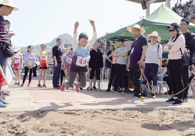 全县中小学生田径运动会举行