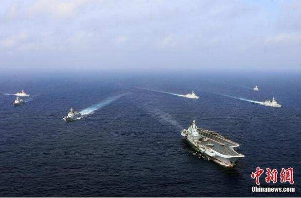 海军航母编队跨海区实兵对抗训练