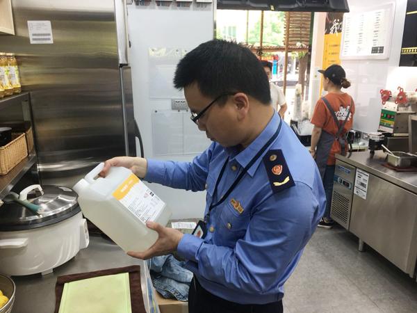 你喝的奶茶健康吗?清港开展奶茶行业专项检查