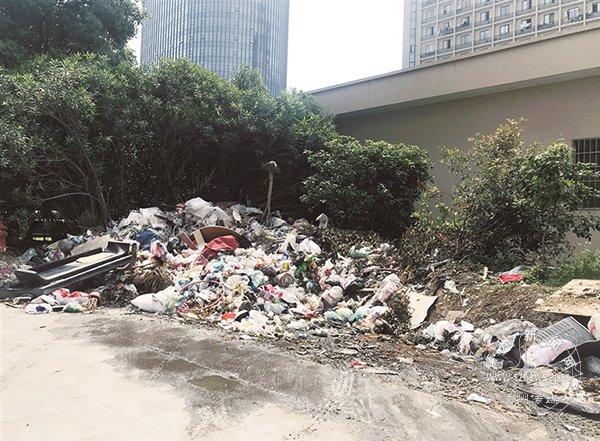 世贸广场周边环境脏乱差