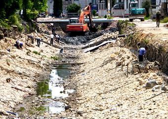 改善生态环境提升集镇品位