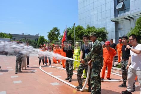 市长运公司举行消防突发事件应急疏散演练