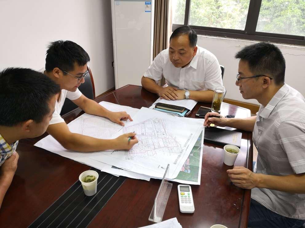 甘霖镇召开个私集聚区规划会议